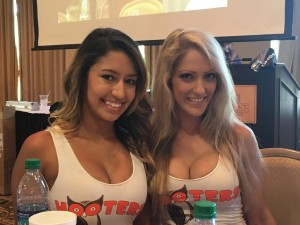 hootersgirls